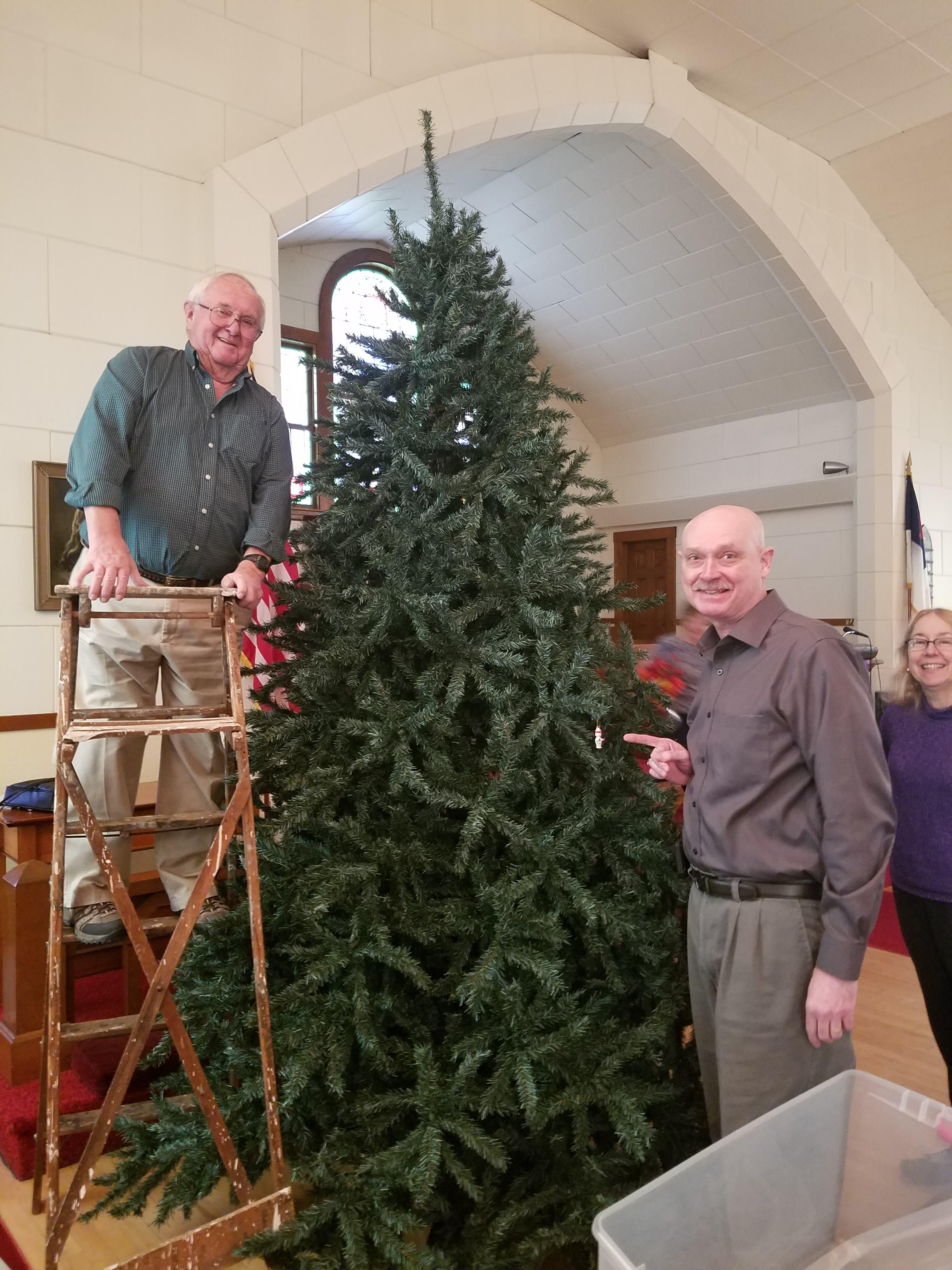 assembling Christmas tree 2019 1